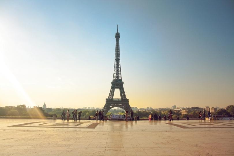 Eiffel_Tower_from_Palais_de_Chaillot,_18_April_2011